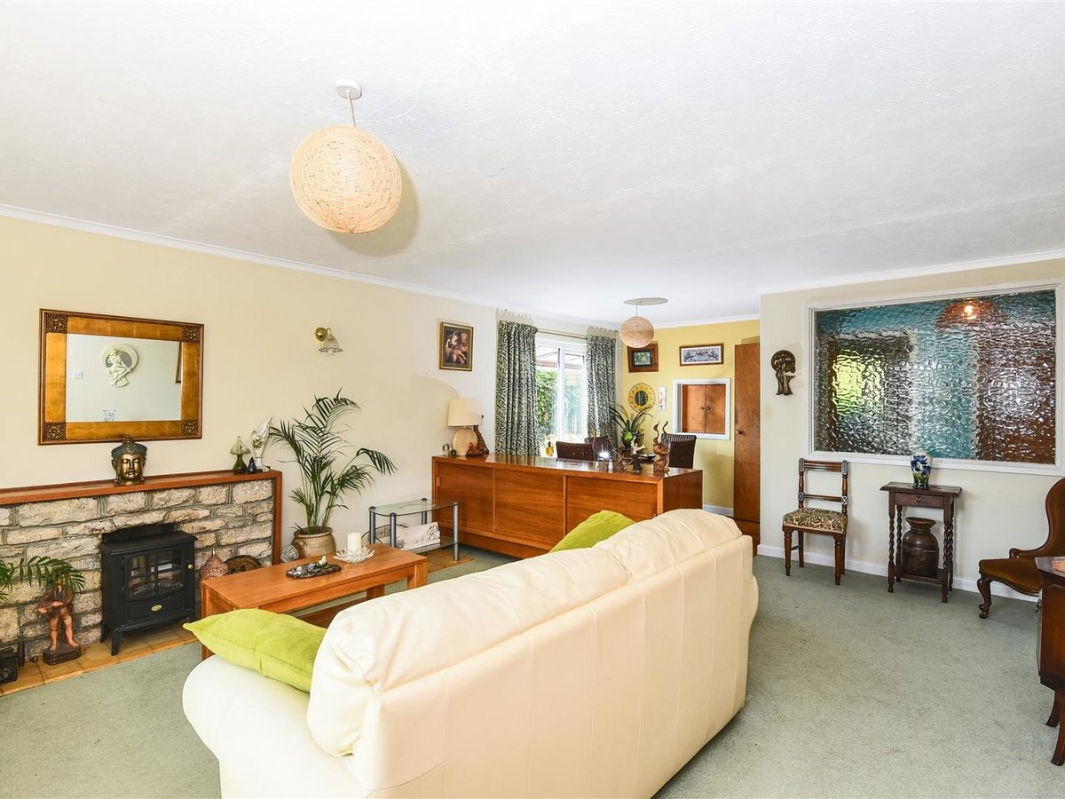 Bungalow for sale in Bicester - Slide 10