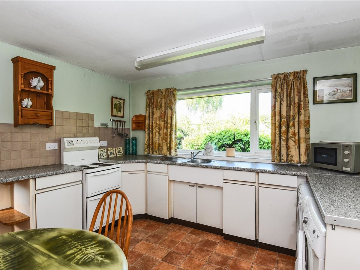 Bungalow for sale in Bicester - Slide 4