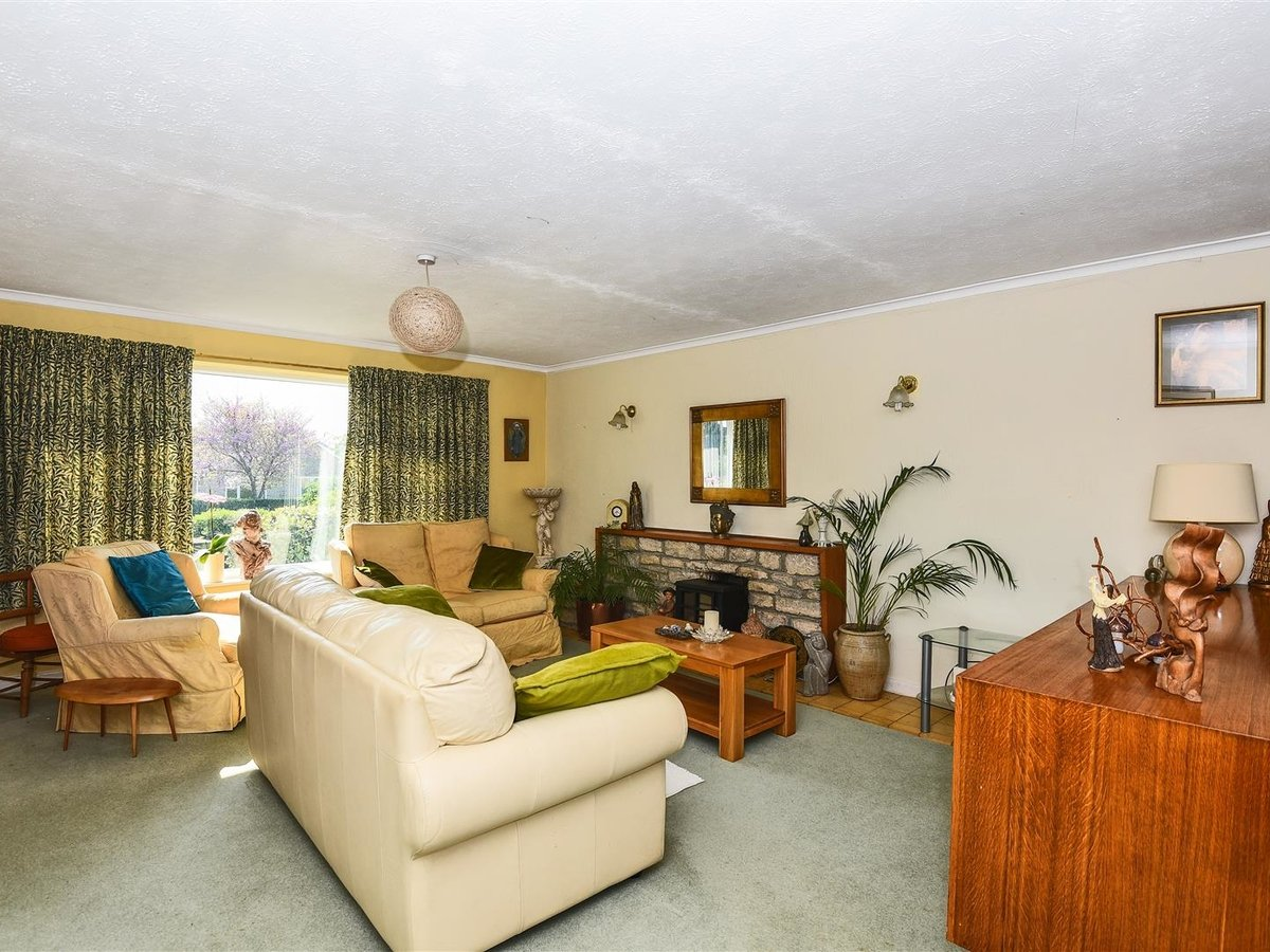 Bungalow for sale in Bicester - Slide 9