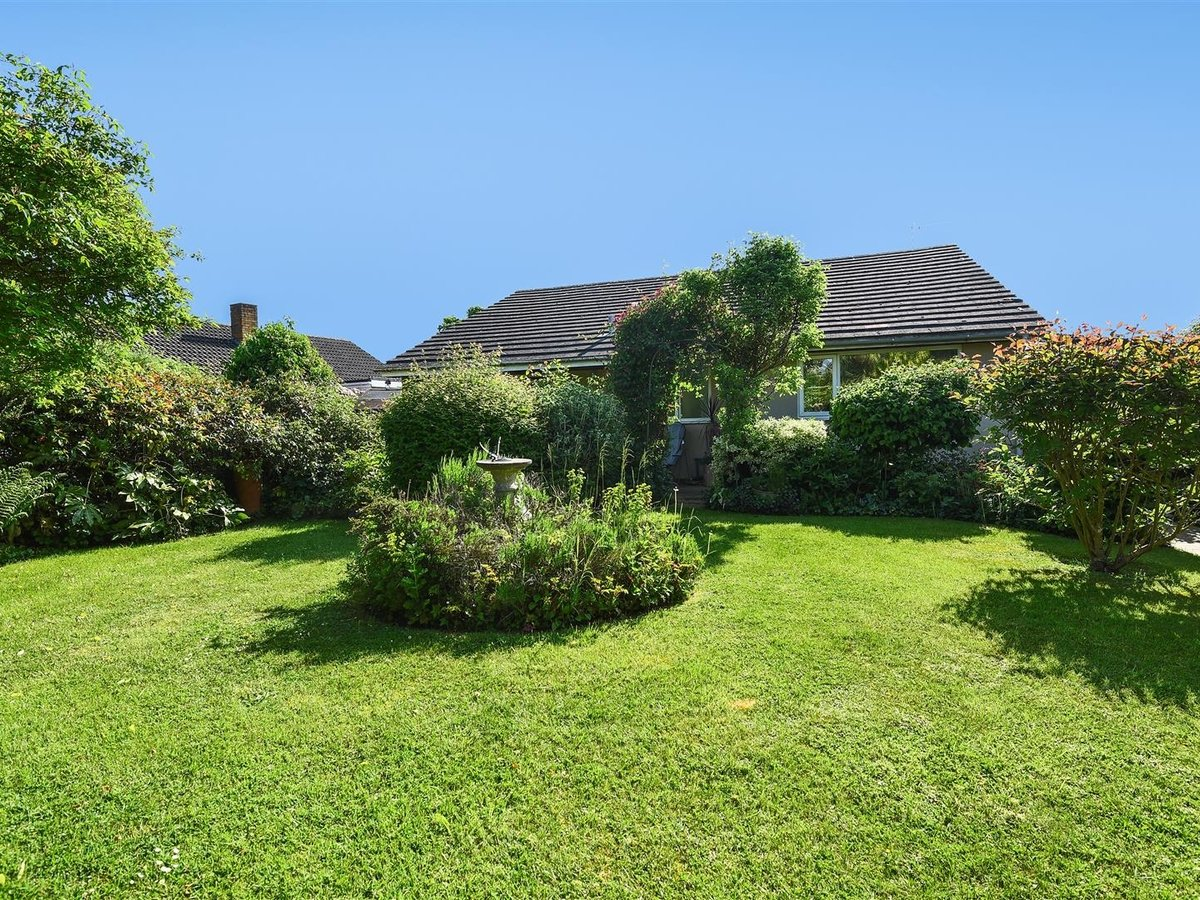 Bungalow for sale in Bicester - Slide 5