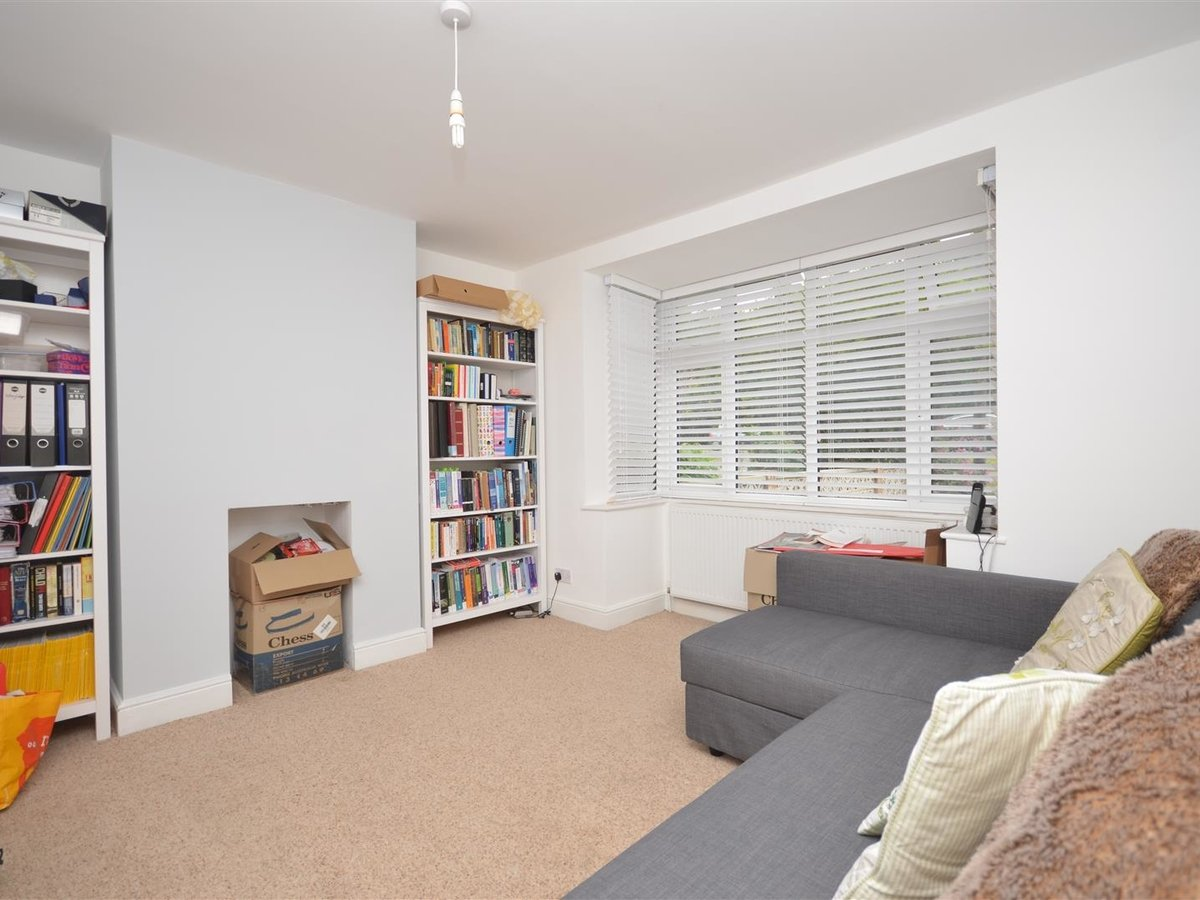 House - Semi-Detached for sale in Aylesbury - Slide 7
