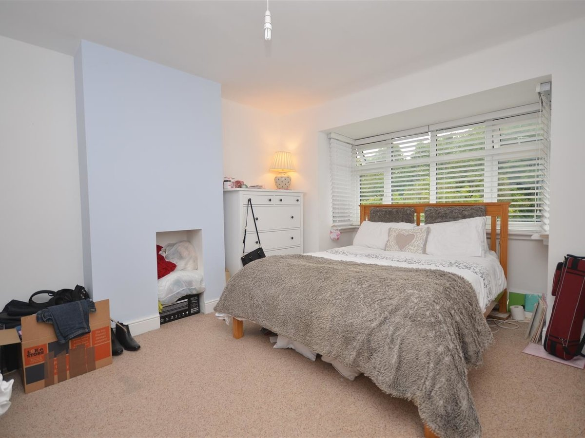 House - Semi-Detached for sale in Aylesbury - Slide 4