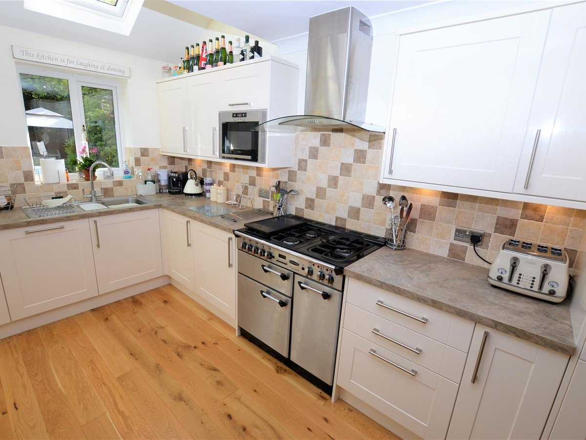 House - Detached for sale in Dunstable - Slide 8