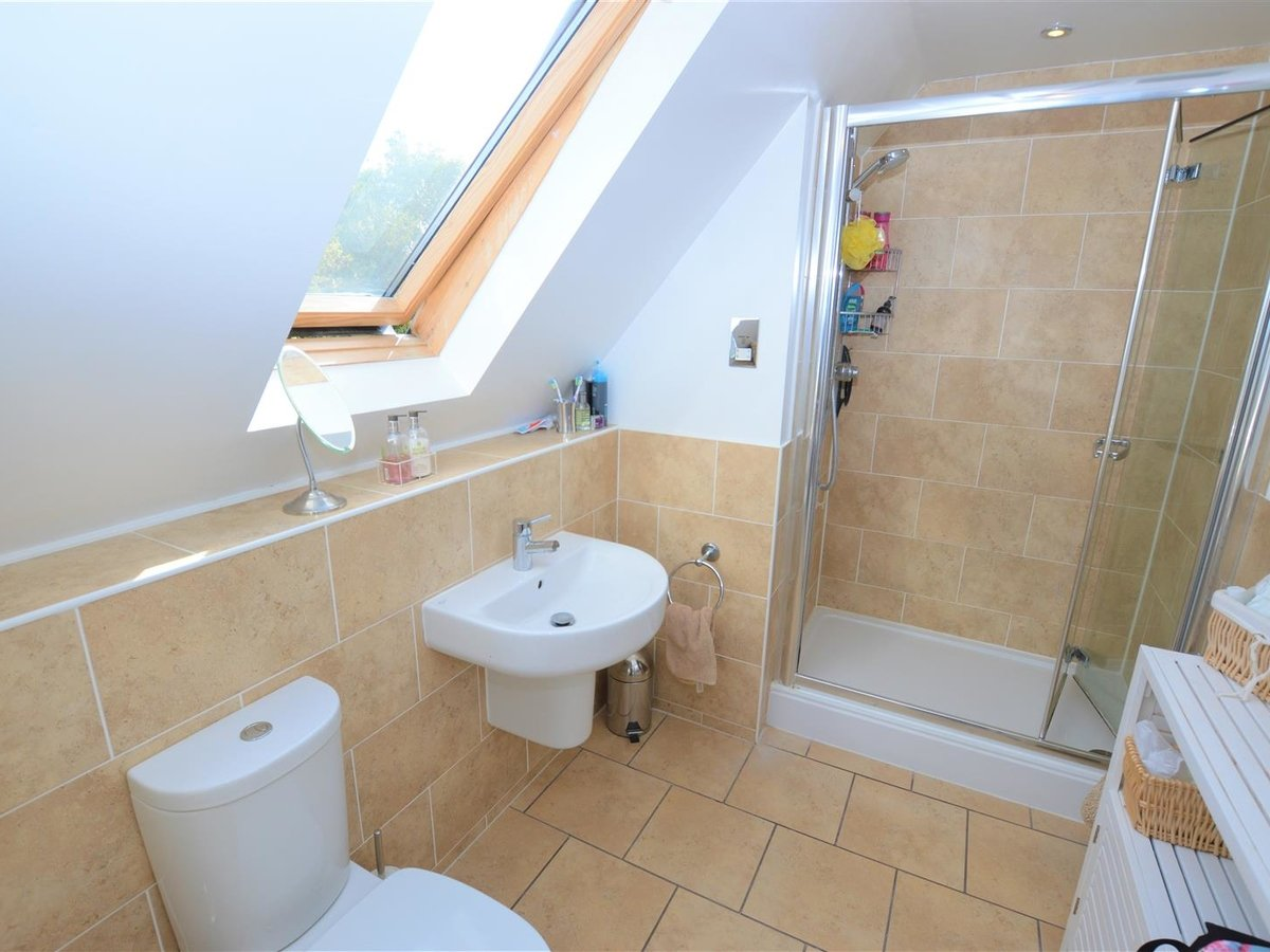 House - Detached for sale in Dunstable - Slide 6