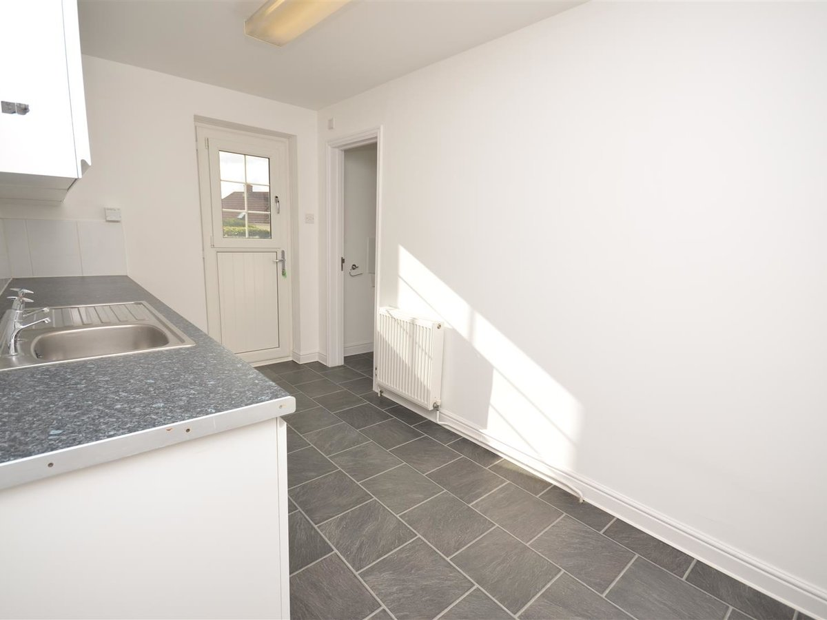 House - Semi-Detached for sale in Aylesbury - Slide 22