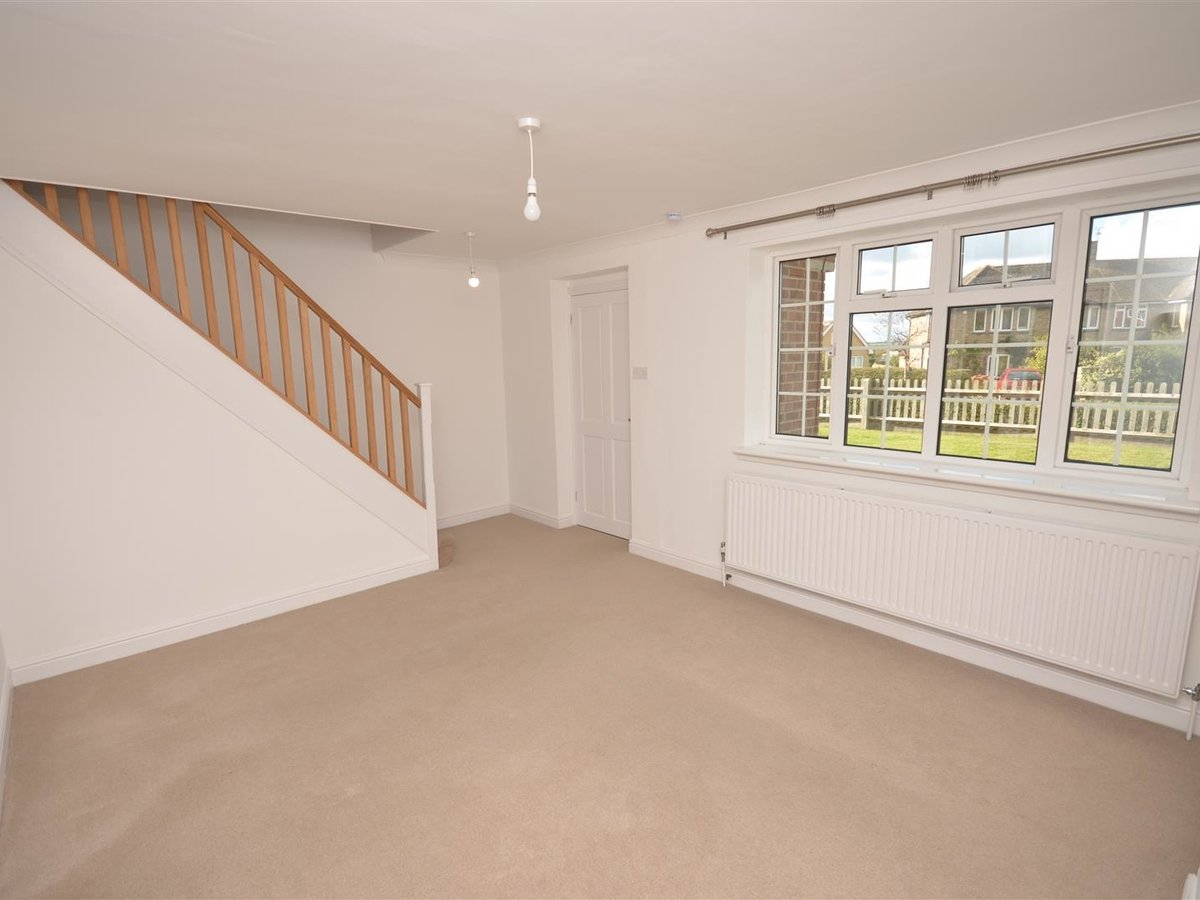 House - Semi-Detached for sale in Aylesbury - Slide 14