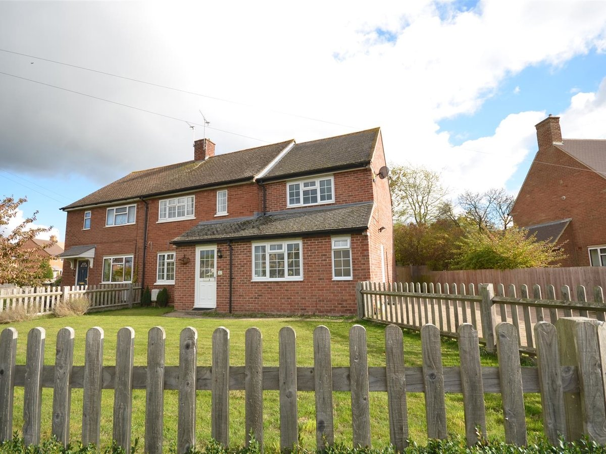 House - Semi-Detached for sale in Aylesbury - Slide 23