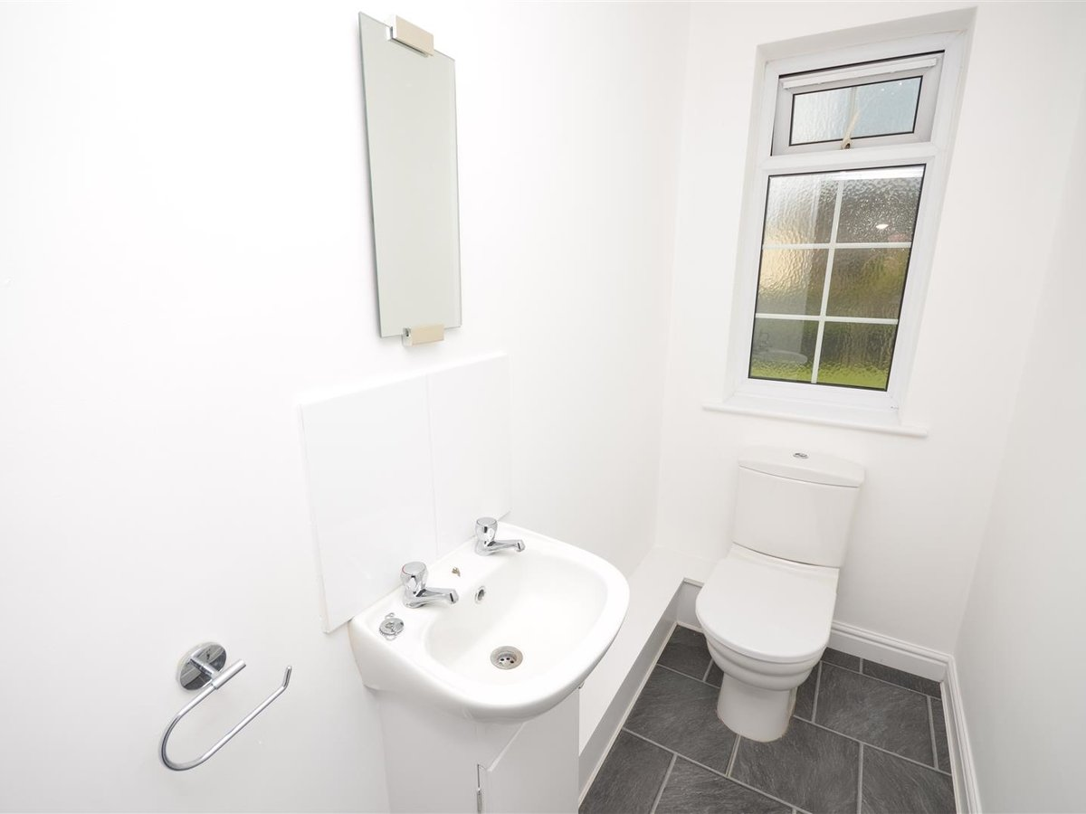 House - Semi-Detached for sale in Aylesbury - Slide 20