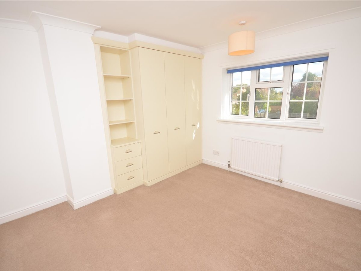 House - Semi-Detached for sale in Aylesbury - Slide 19