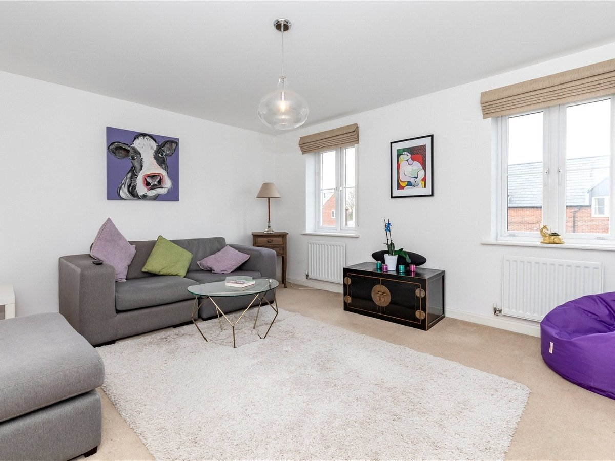 4 bedroom  House for sale in Bicester - Slide 6