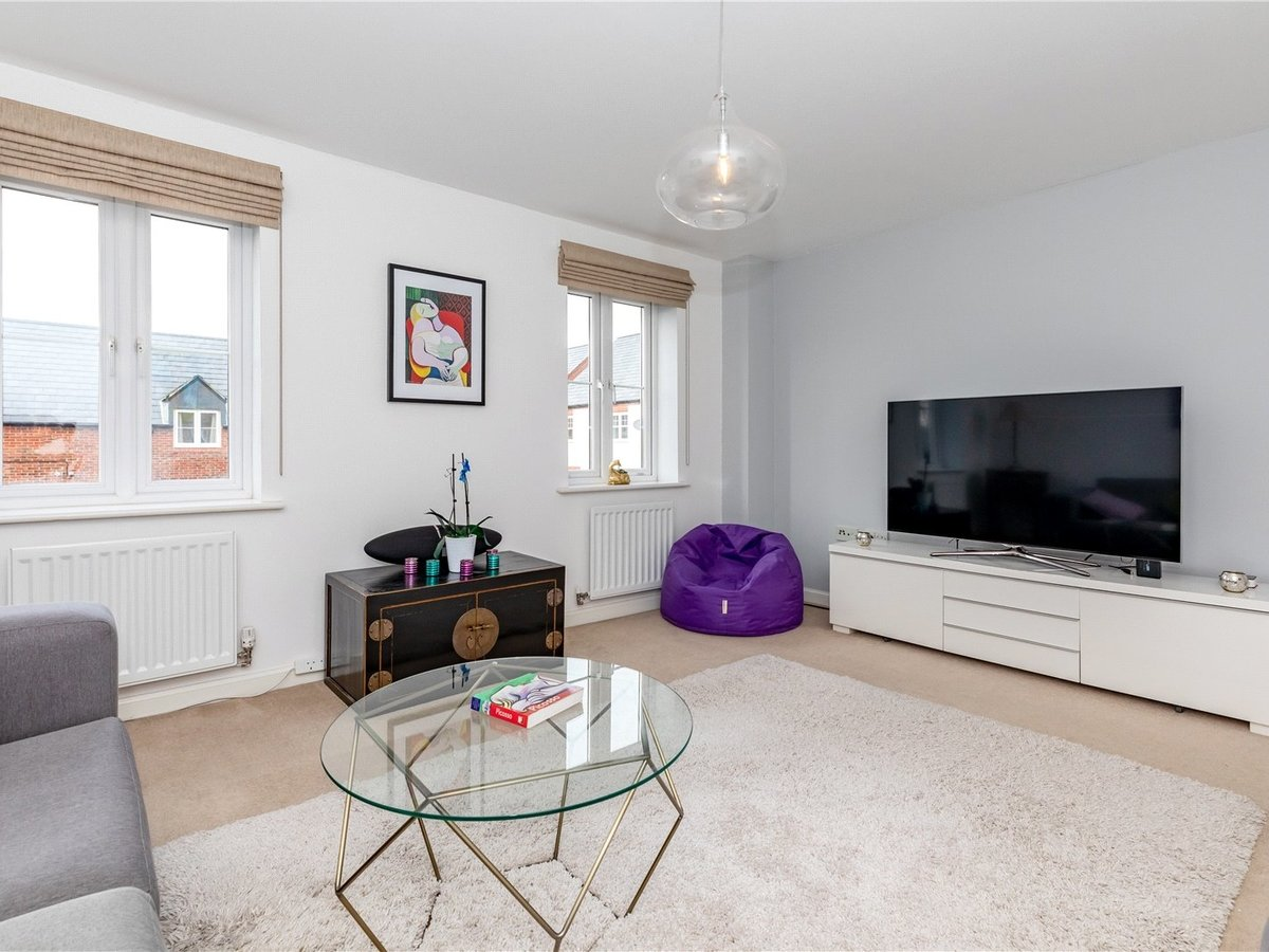 4 bedroom  House for sale in Bicester - Slide 8