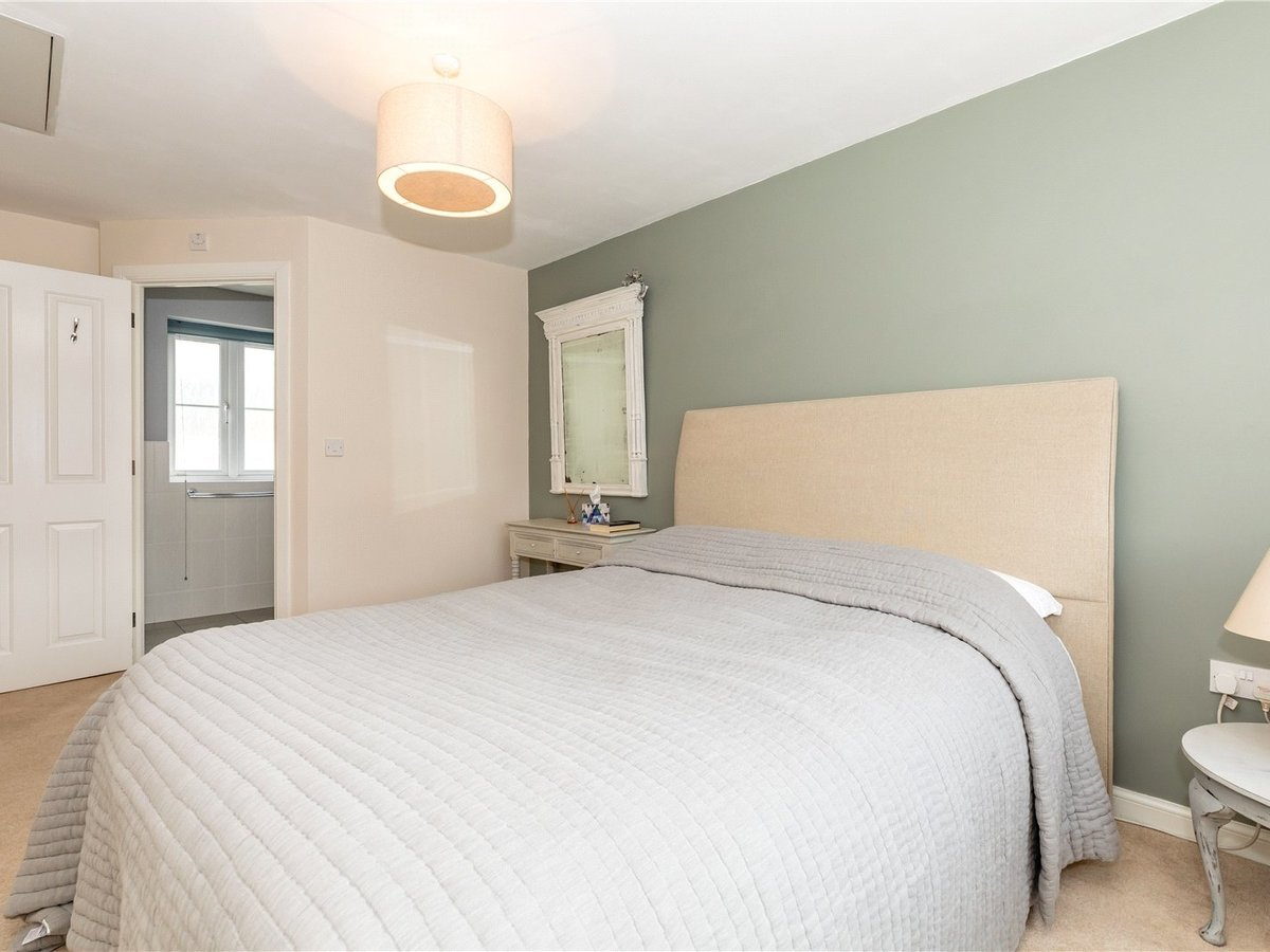 4 bedroom  House for sale in Bicester - Slide 10