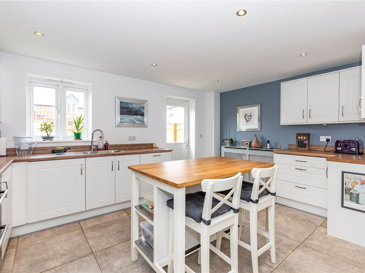 4 bedroom  House for sale in Bicester - Slide 5