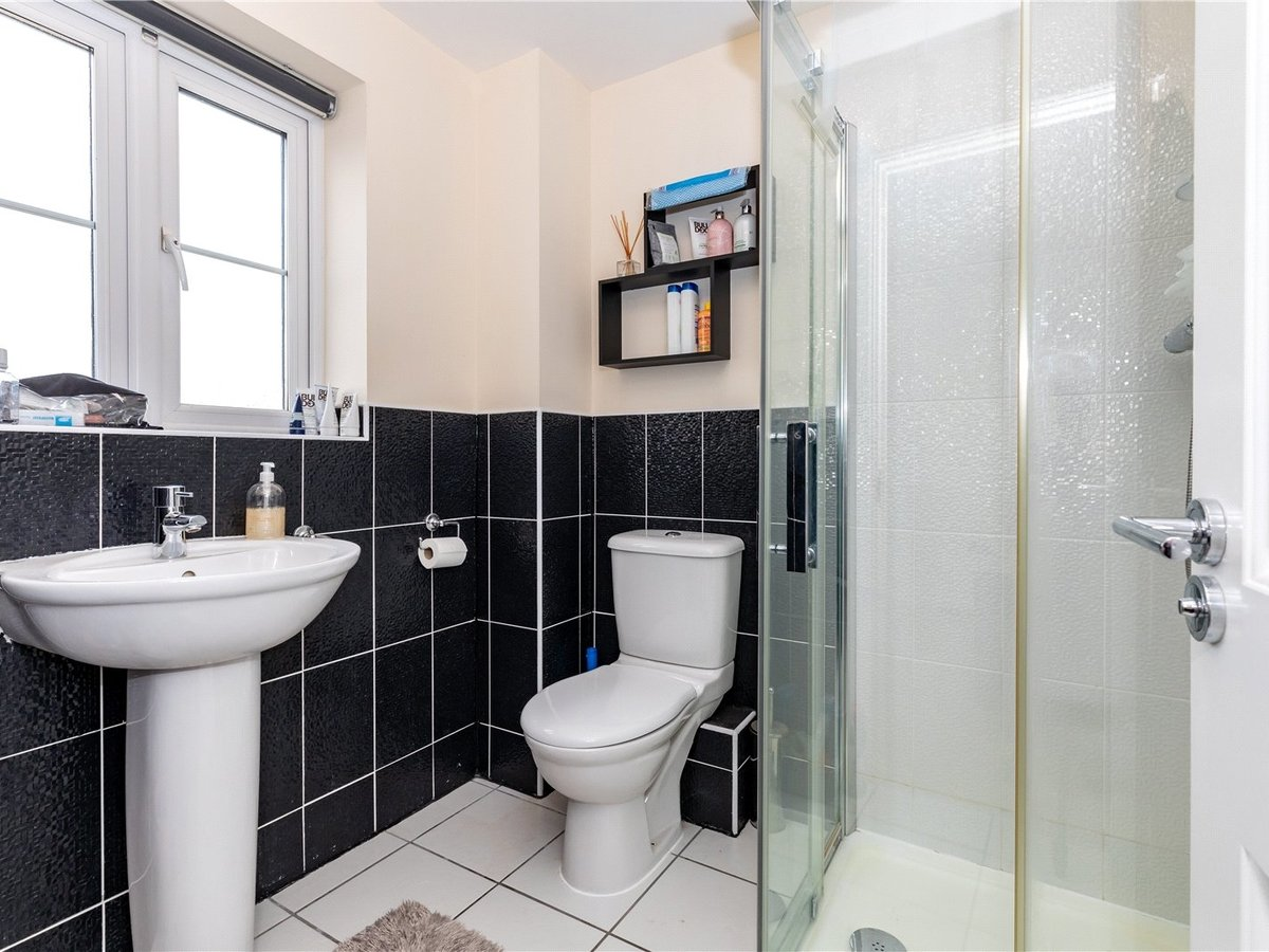 4 bedroom  House for sale in Bicester - Slide 13