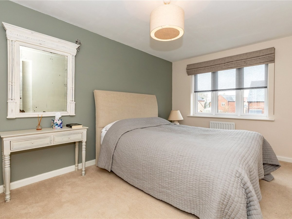 4 bedroom  House for sale in Bicester - Slide 9