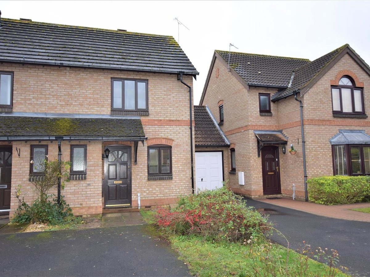 2 bedroom  House for sale in Oxfordshire - Slide 2