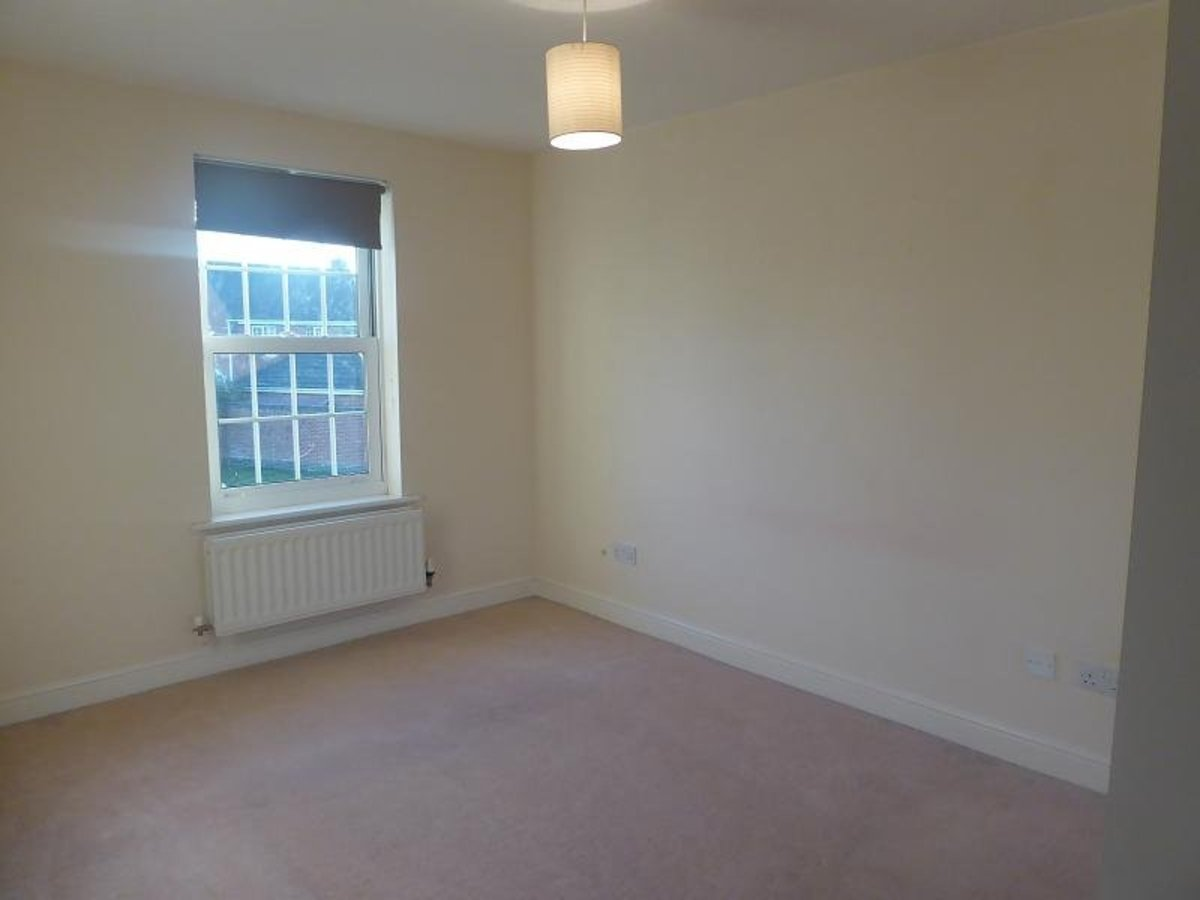 2 bedroom  Flat/Apartment for sale in Oxfordshire - Slide 4