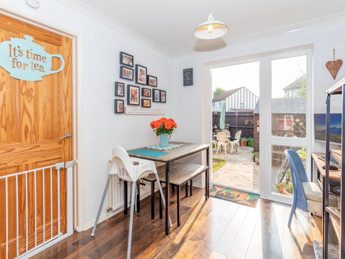 2 bedroom  House for sale in Bicester - Slide 6