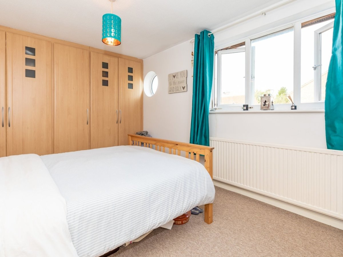 2 bedroom  House for sale in Bicester - Slide 8