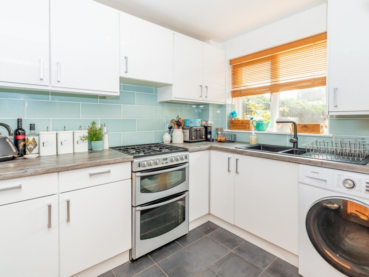 2 bedroom  House for sale in Bicester - Slide 7