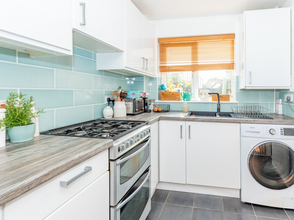 2 bedroom  House for sale in Bicester - Slide 5