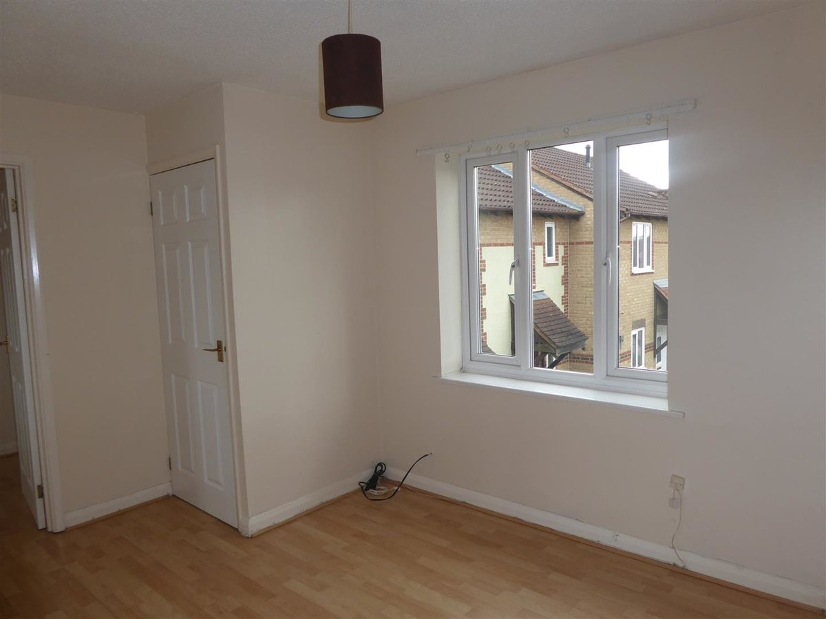 1 bedroom  House for sale in Oxfordshire - Slide 8