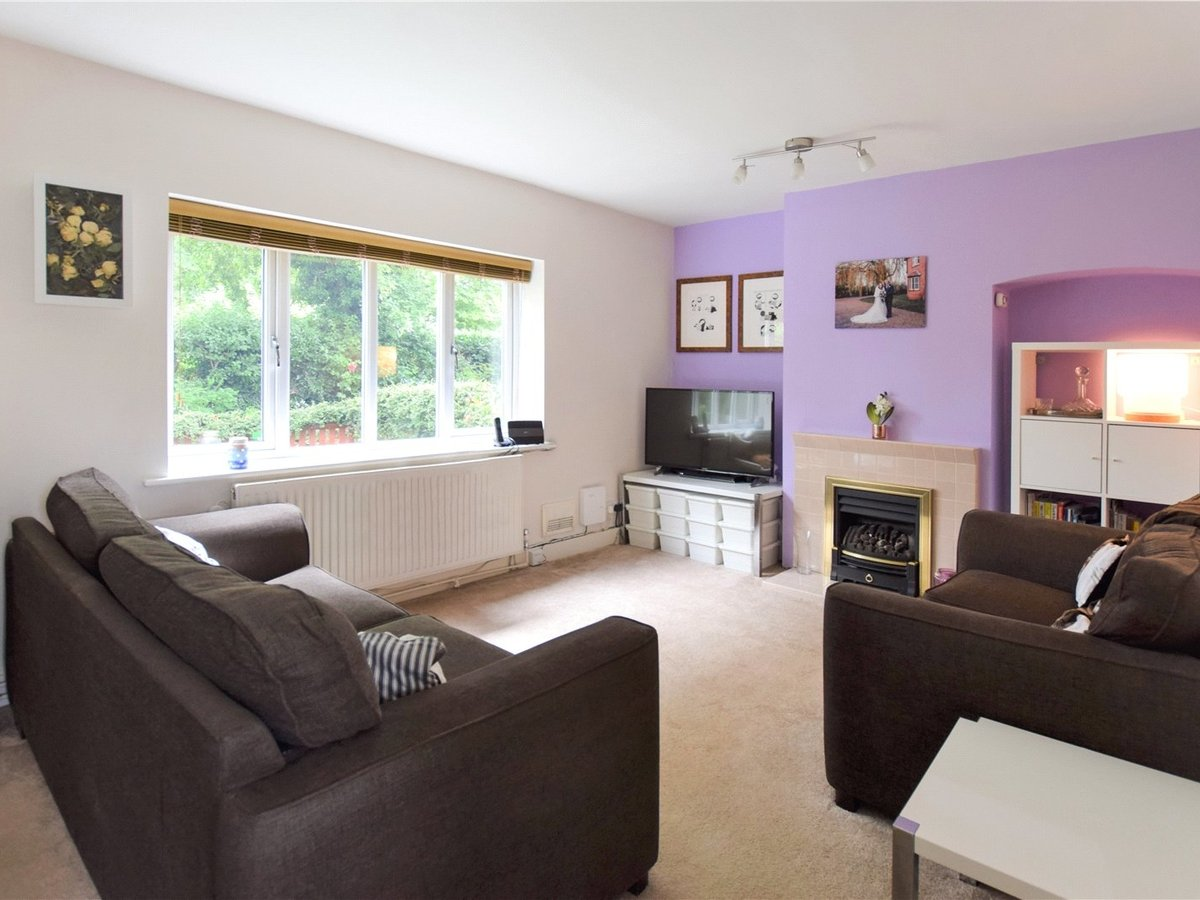 2 bedroom  House for sale in Oxfordshire - Slide 4