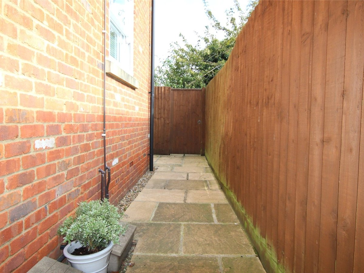 1 bedroom  Flat/Apartment for sale in Northamptonshire - Slide 8