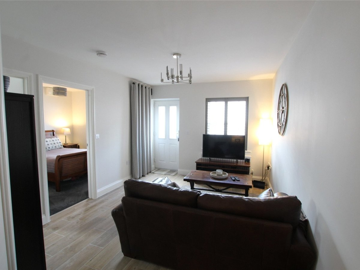 1 bedroom  Flat/Apartment for sale in Northamptonshire - Slide 10