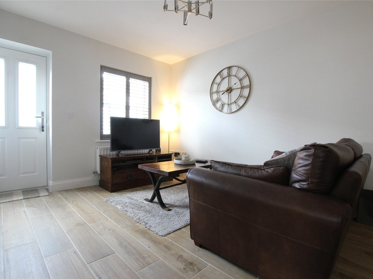 1 bedroom  Flat/Apartment for sale in Northamptonshire - Slide 3
