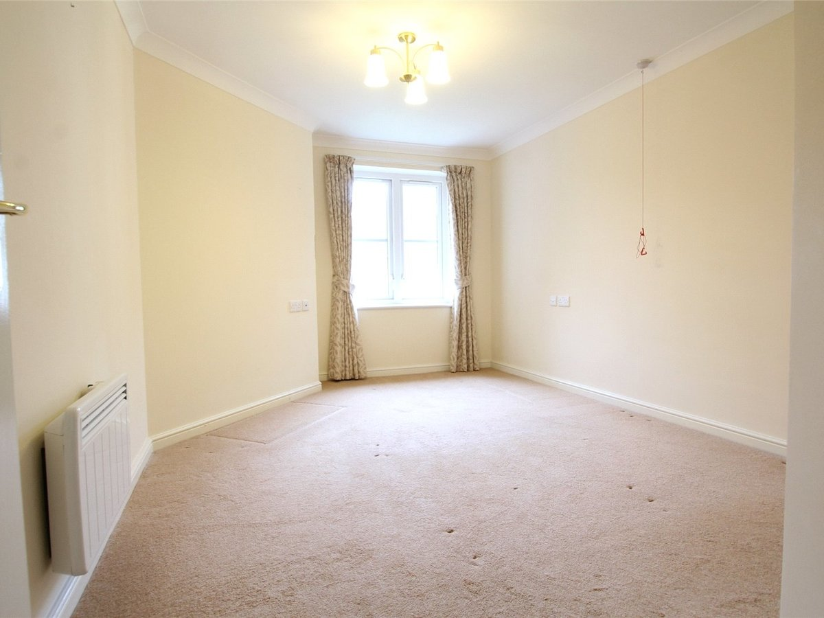1 bedroom  Flat/Apartment for sale in Northants - Slide 5
