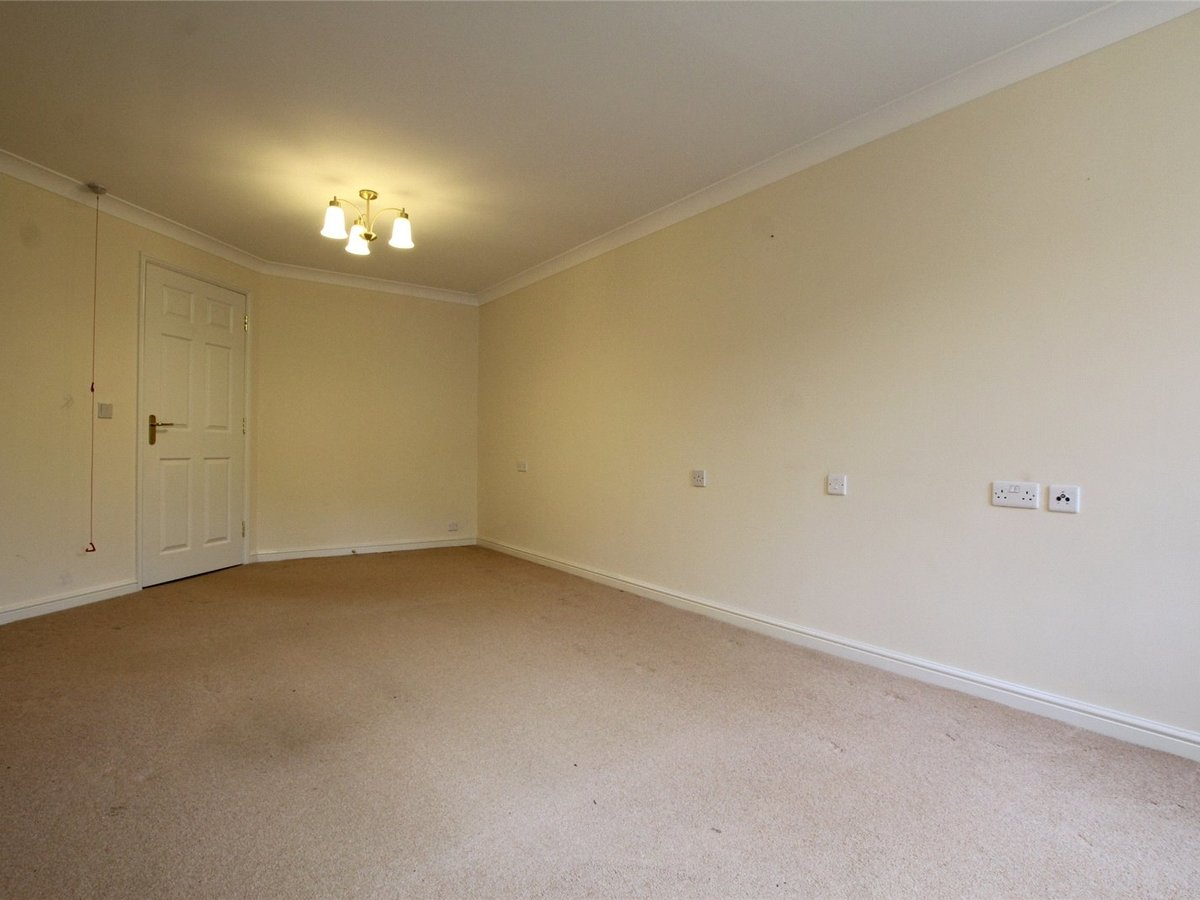 1 bedroom  Flat/Apartment for sale in Northants - Slide 3