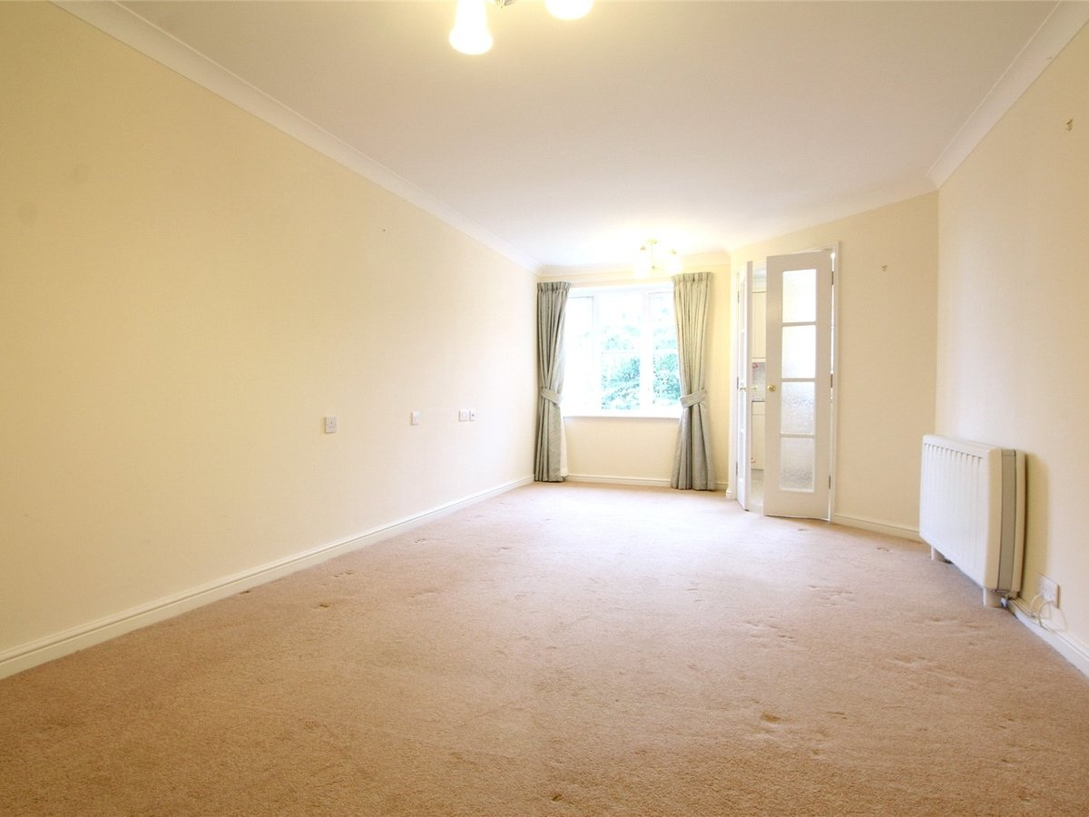 1 bedroom  Flat/Apartment for sale in Northants - Slide 6