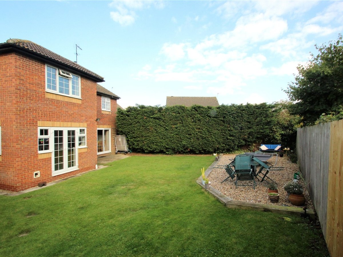 5 bedroom  House for sale in Buckinghamshire - Slide 6