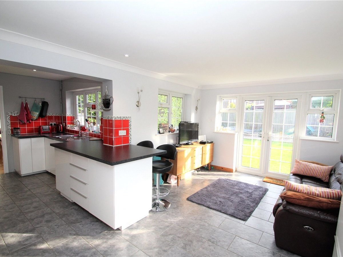 5 bedroom  House for sale in Buckinghamshire - Slide 2