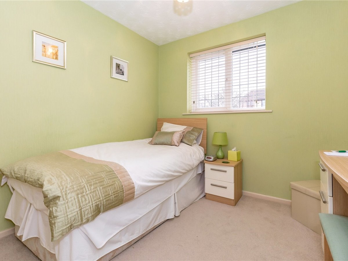4 bedroom  House for sale in Buckingham - Slide 11