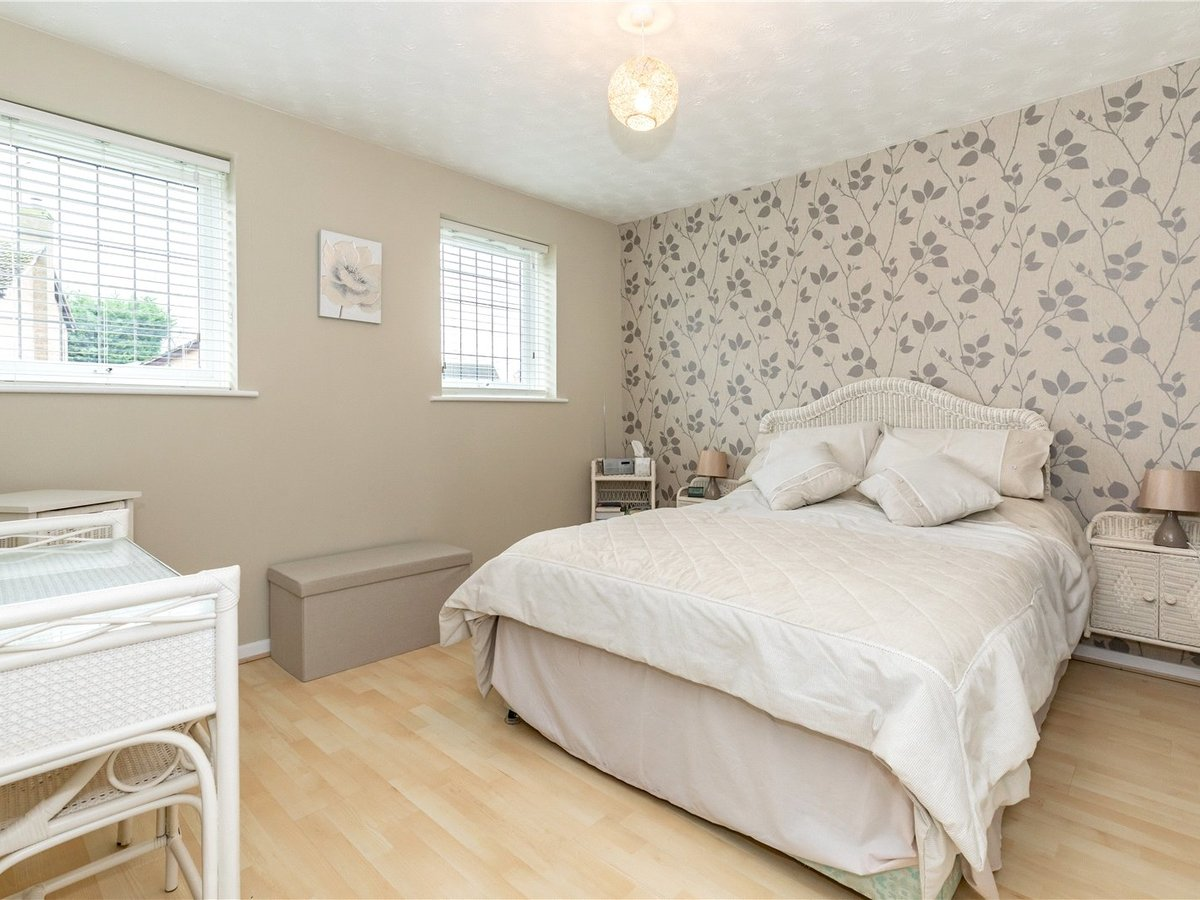 4 bedroom  House for sale in Buckingham - Slide 8