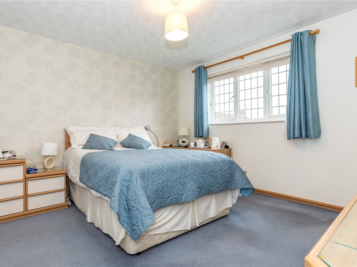 4 bedroom  House for sale in Buckingham - Slide 6