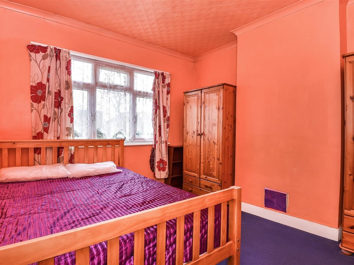 Maisonette for sale in Harrow - Slide 5