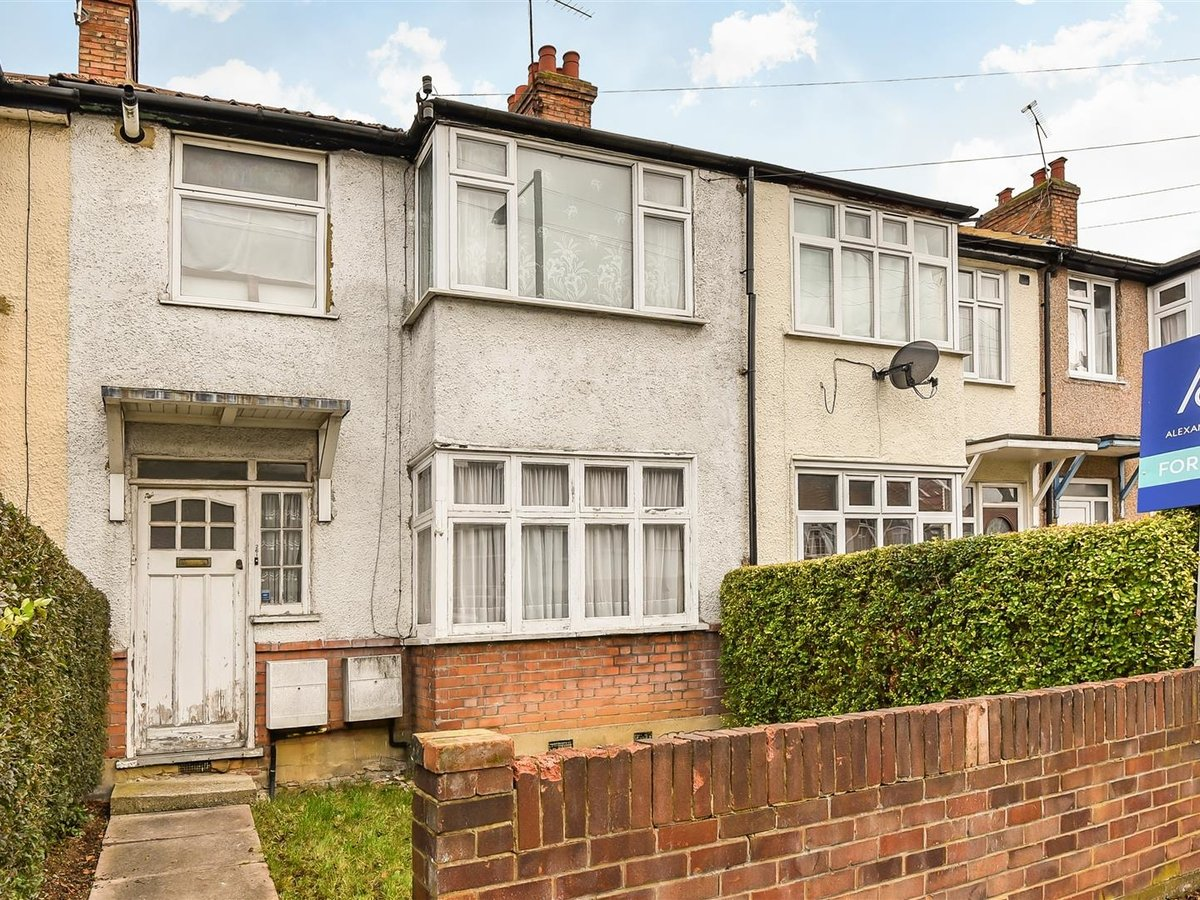 Maisonette for sale in Harrow - Slide 7