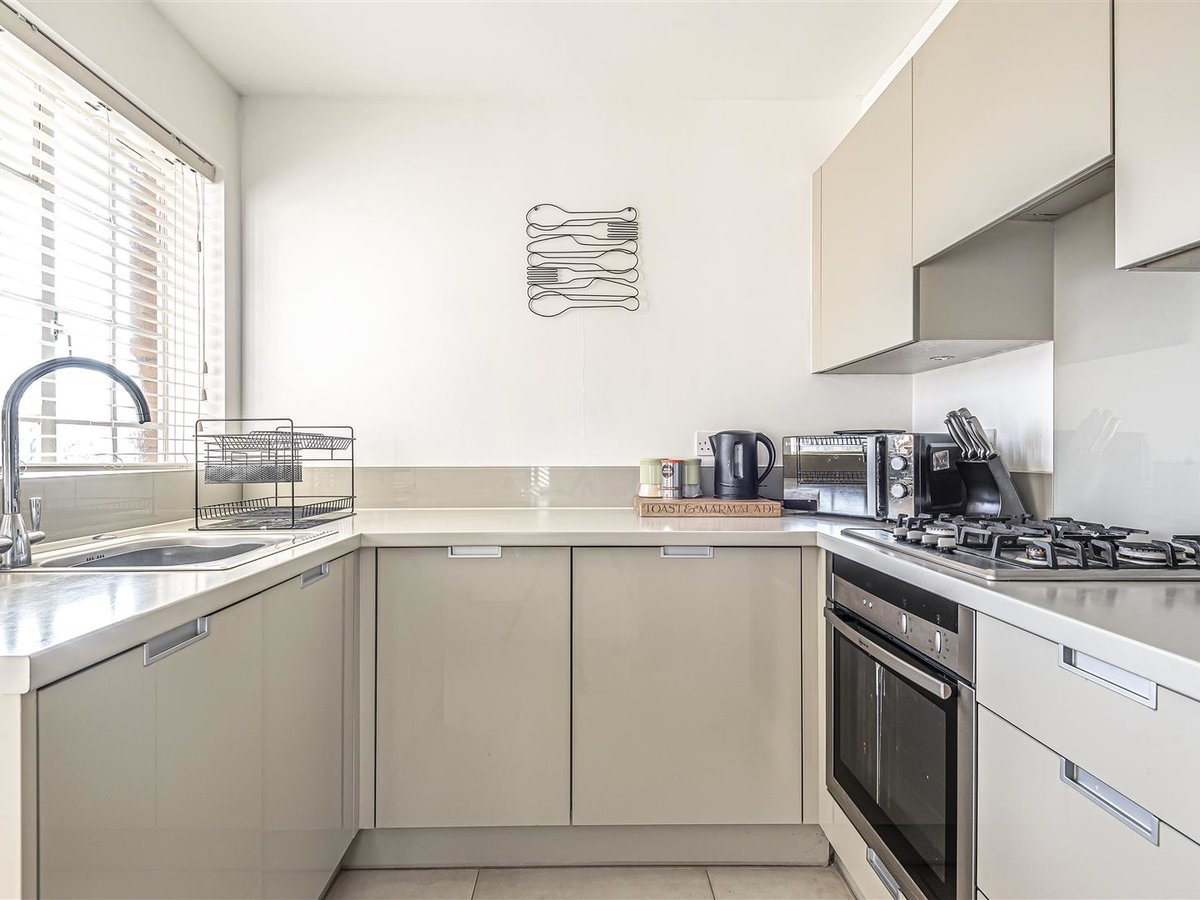 1 bedroom  Flat/Apartment for sale in Bicester - Slide 2