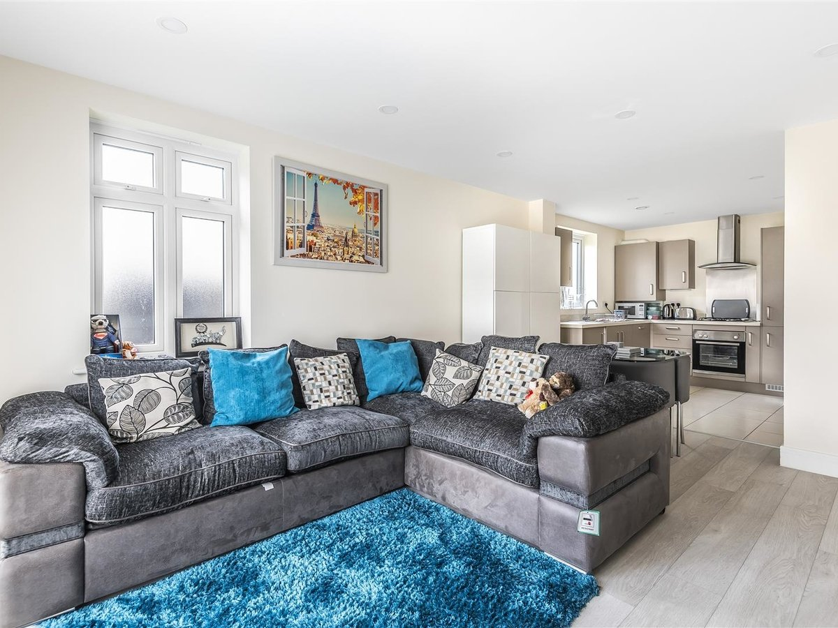 Flat/Apartment for sale in Harrow - Slide 2