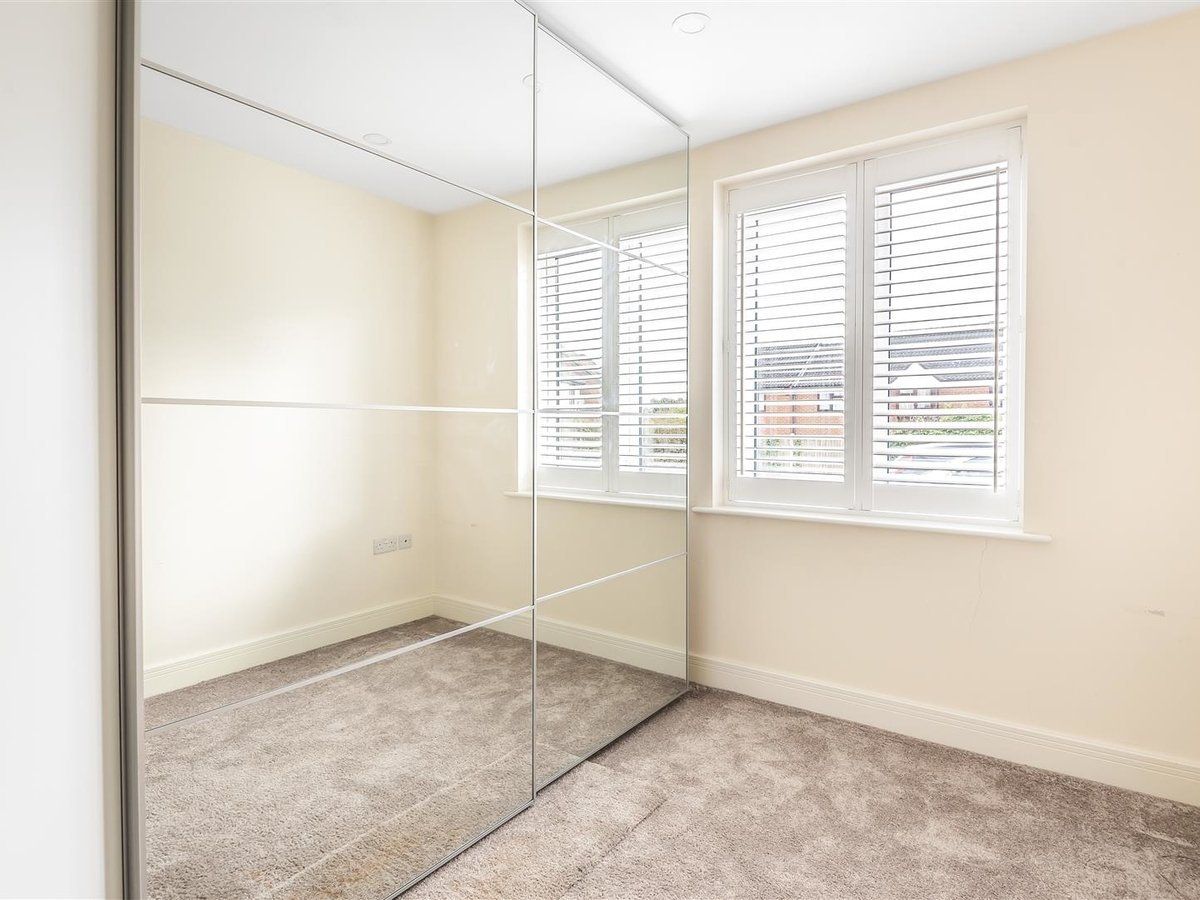 Flat/Apartment for sale in Harrow - Slide 5