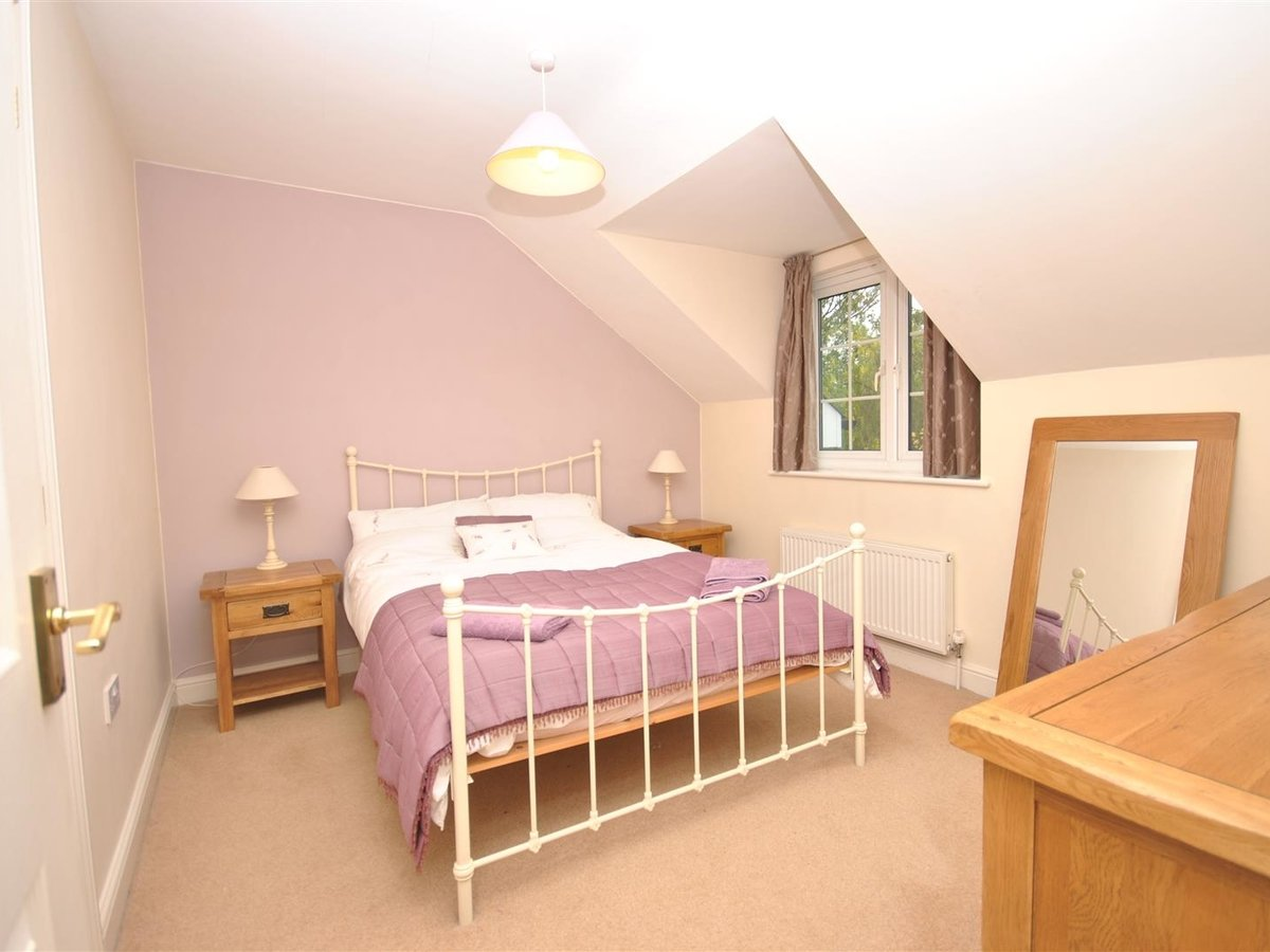 House - Detached for sale in Wing Leighton Buzzard - Slide 12