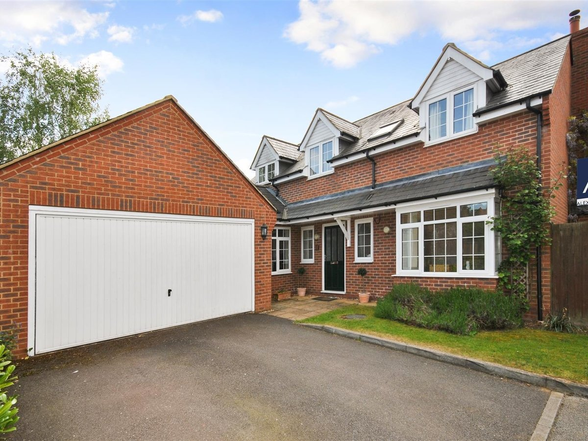 House - Detached for sale in Wing Leighton Buzzard - Slide 17
