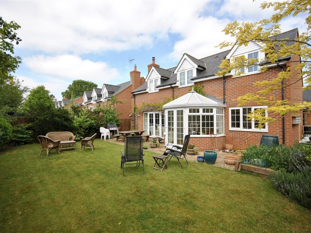 House - Detached for sale in Wing Leighton Buzzard - Slide 16