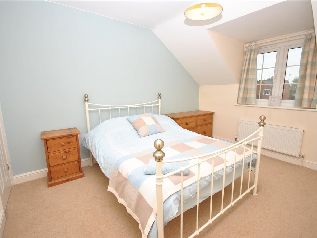 House - Detached for sale in Wing Leighton Buzzard - Slide 13