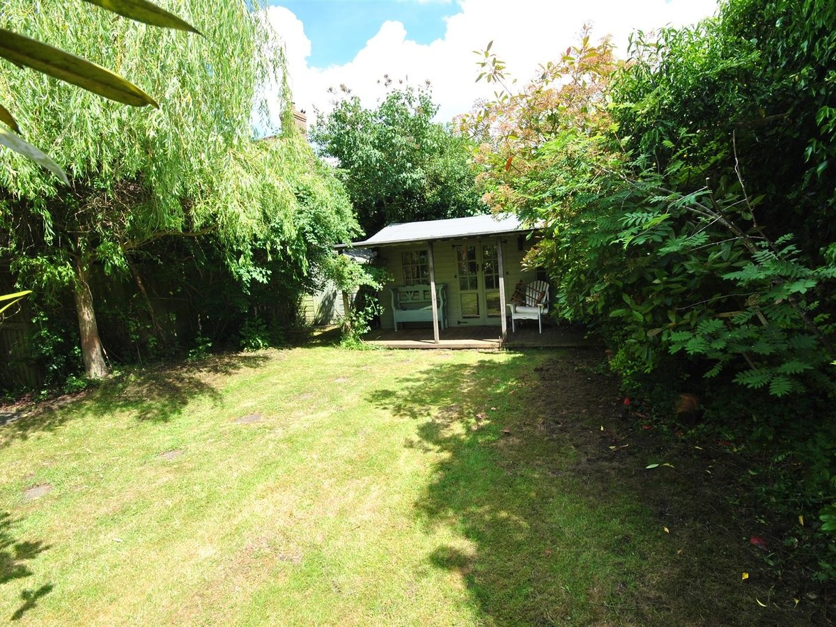 House - Semi-Detached for sale in Aston Abbotts - Slide 13