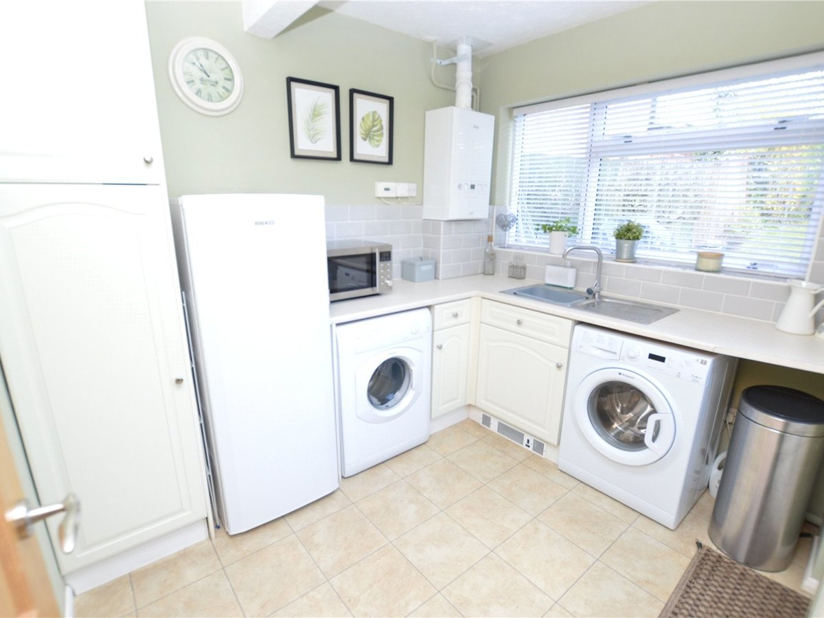 4 bedroom  House for sale in Dunstable - Slide 9