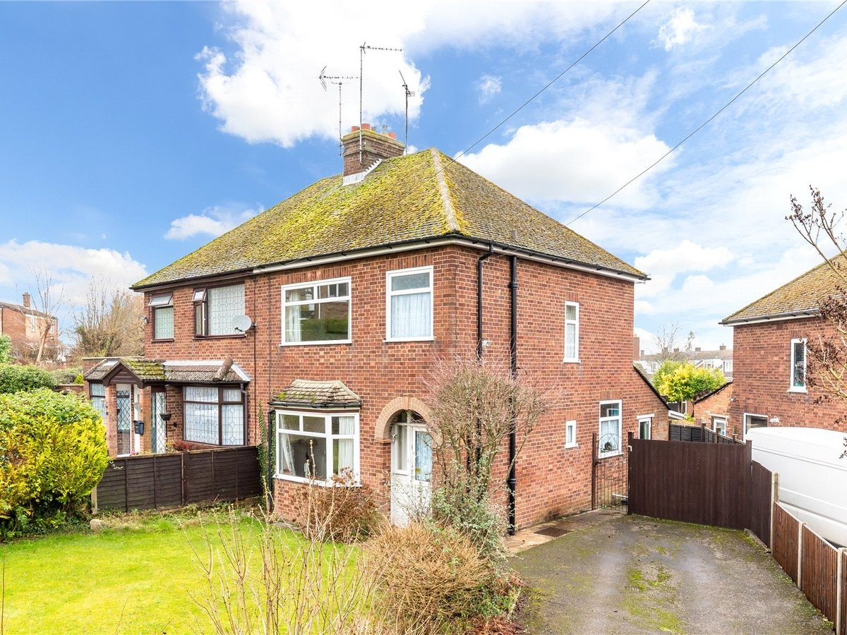 3 bedroom  House for sale in Dunstable - Slide 16